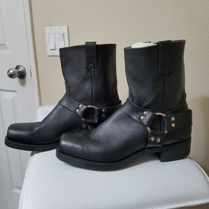 Frye Harness 8R Engineer Boots NWOT